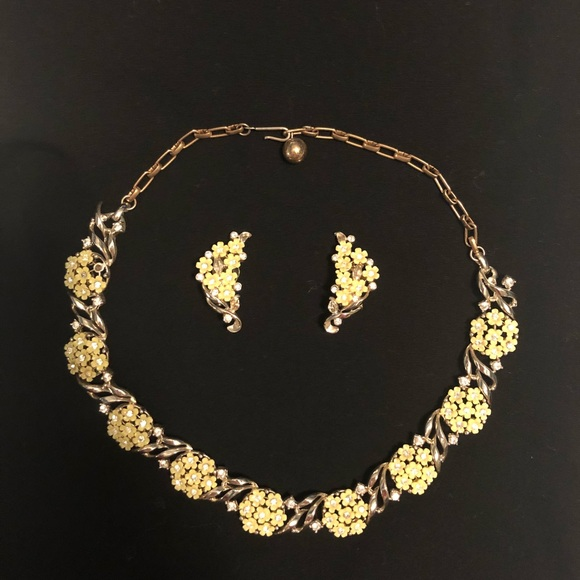 Vintage vintage yellow flower necklace earring set from m5a9e0550fcdc31970ad05698 mightylinksfo Choice Image
